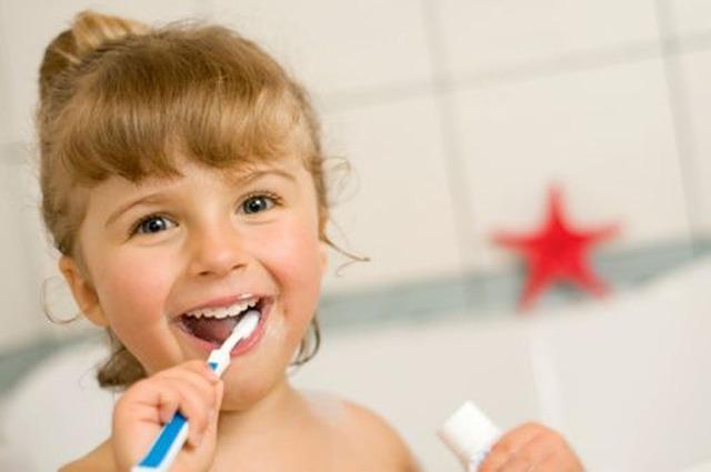 Bambini e denti carie in aumento del 15 percento